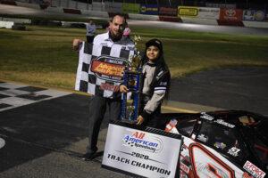 Mini Cup champion Bella Thomsen